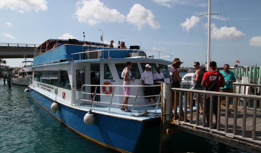 high school students on Spring break in Nassau about to get on a boat